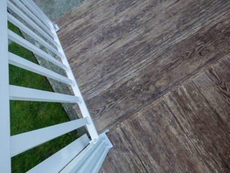 Waterproof Vinyl Decking Maintenance Tips for Fall