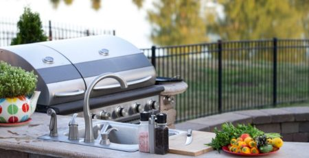 Vinyl Deck Do's and Don'ts for Summer