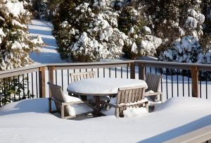 maitaining vinyl deck winter