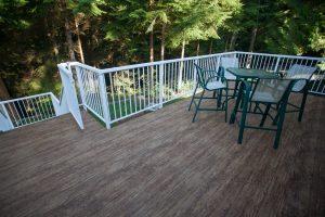vinyl decking to reduce wood maitenance