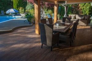 choosing vinyl patio decking